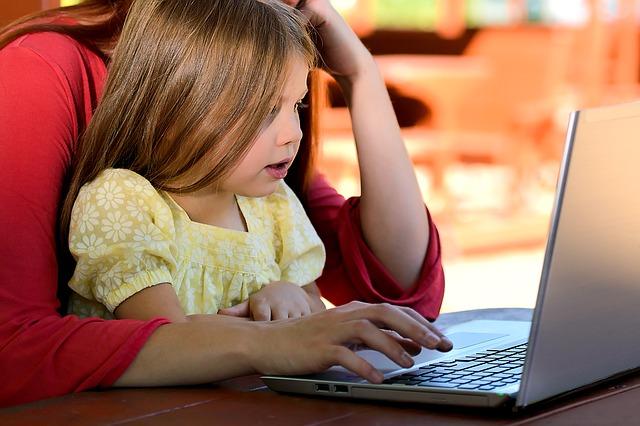 Vzdelávanie popri materskej dovolenke