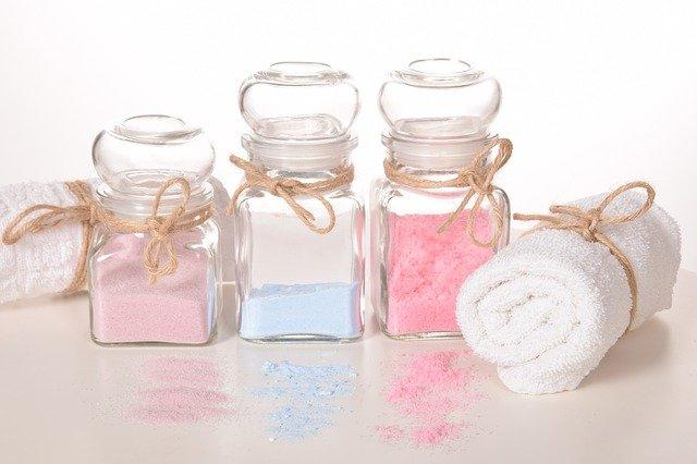 Pripravte si domácu soľ do kúpeľa